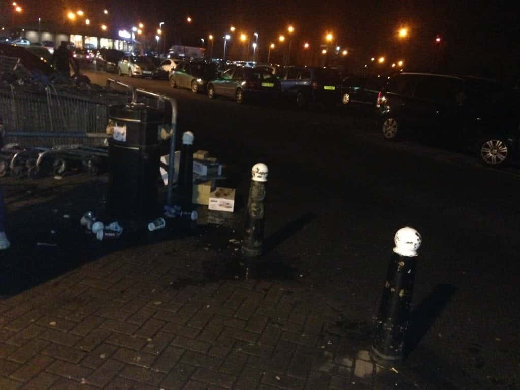 B&M Doncaster - Dingy, dark and horrible mess around their whole carpark